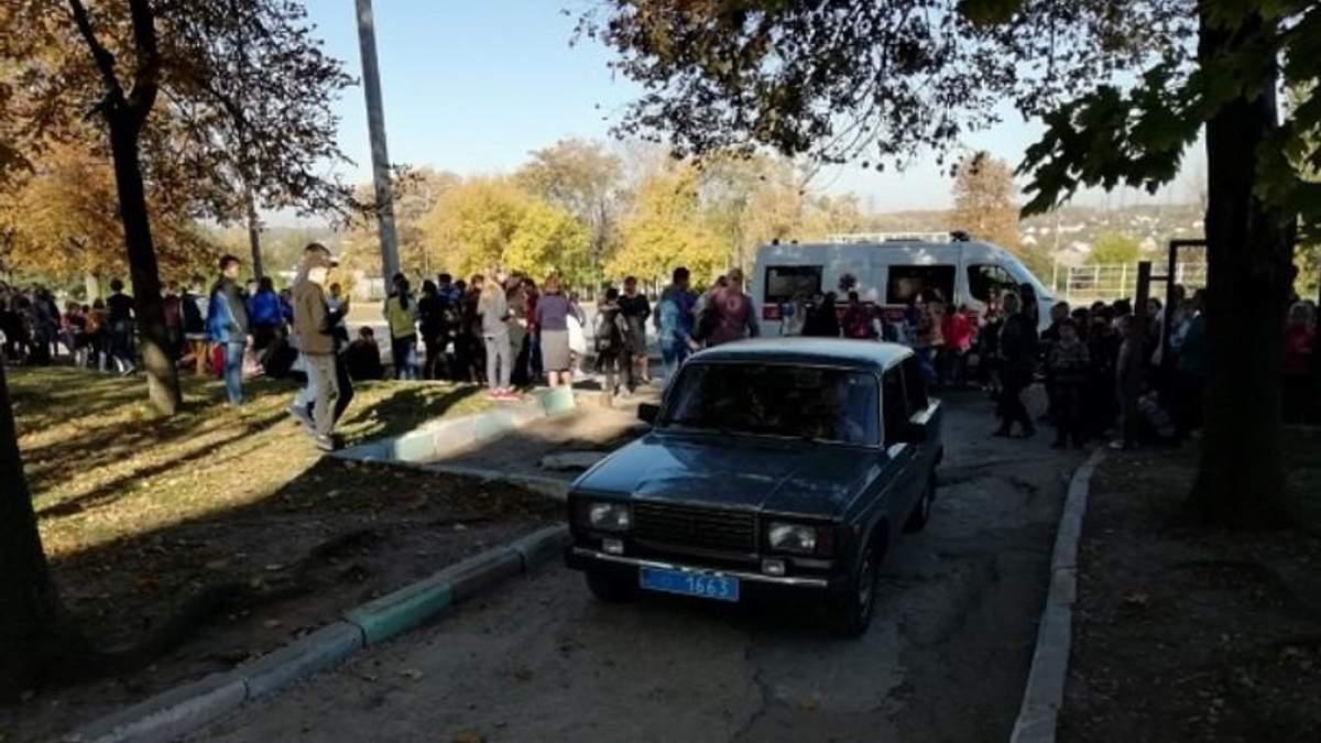 Зі школи у Запоріжжі евакуювали понад 300 дітей