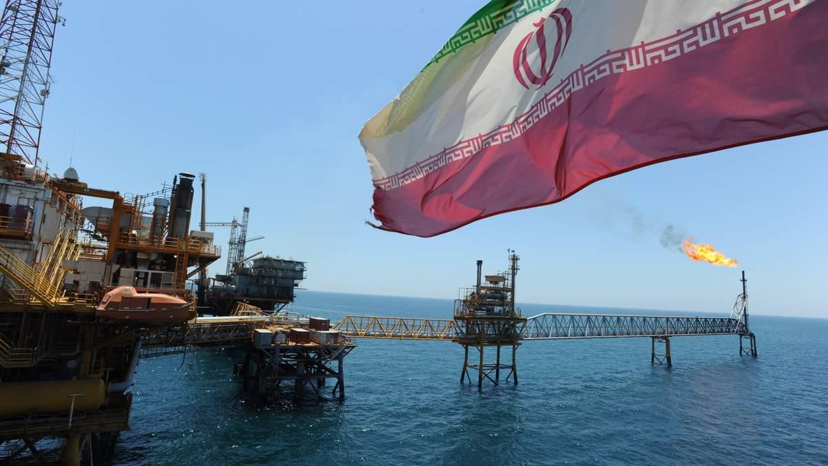 Росія може допомогти Ірану обійти санкції США за допомогою махінацій на ринку нафти