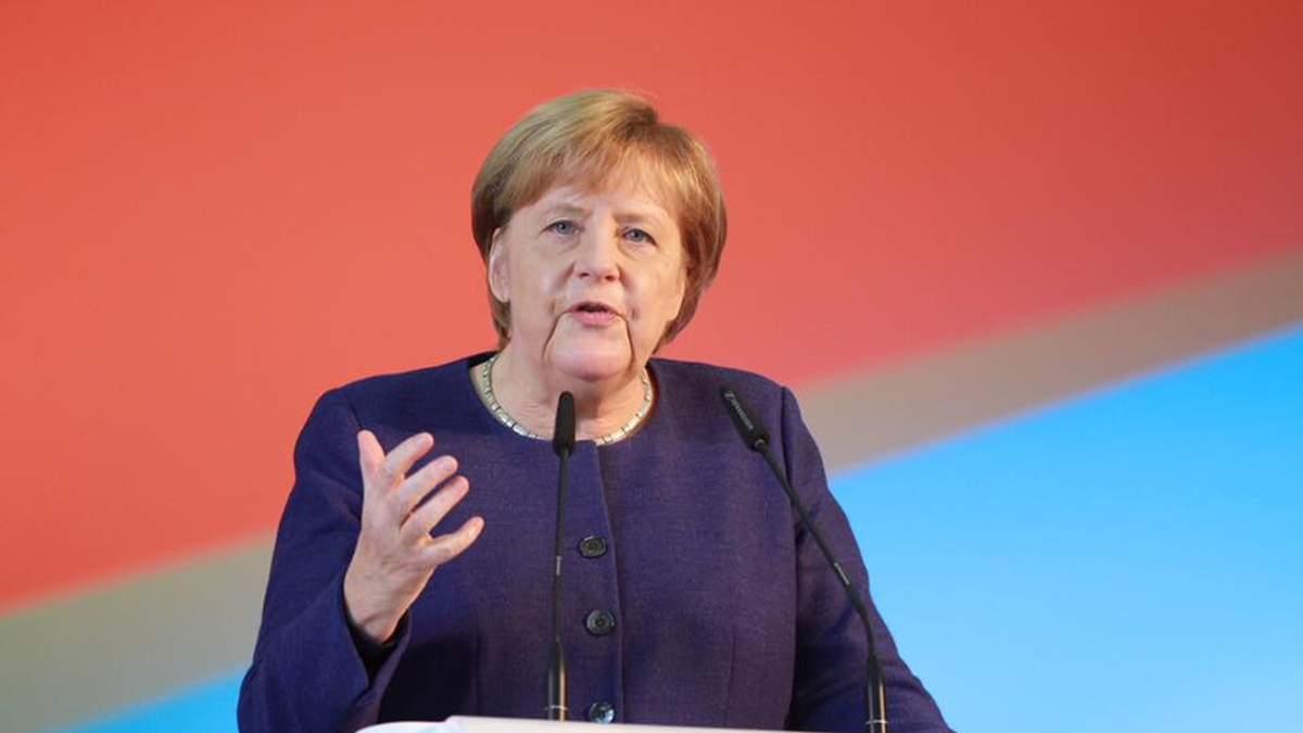 У Меркель відреагували на інформацію, що вона йде з посади