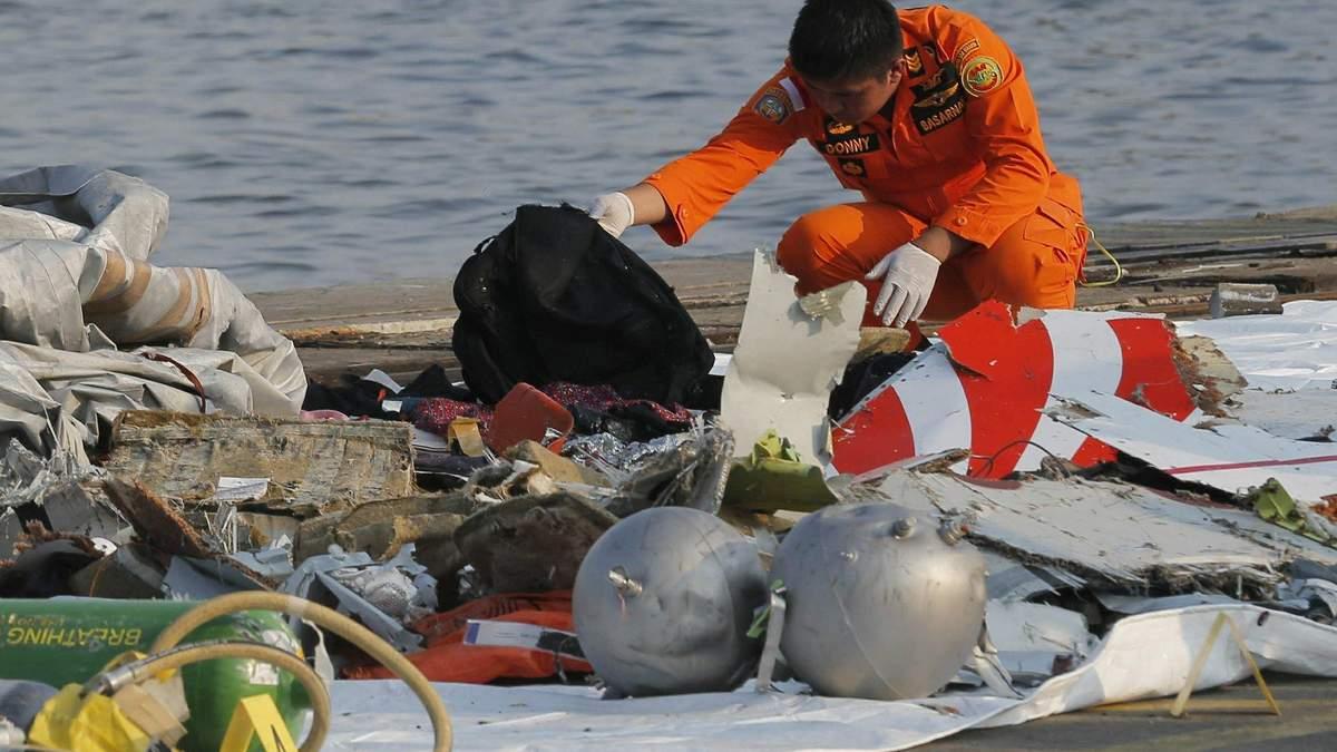 Катастрофа Boeing 737 в Індонезії: пілот запитував дозволу на повернення в аеропорт