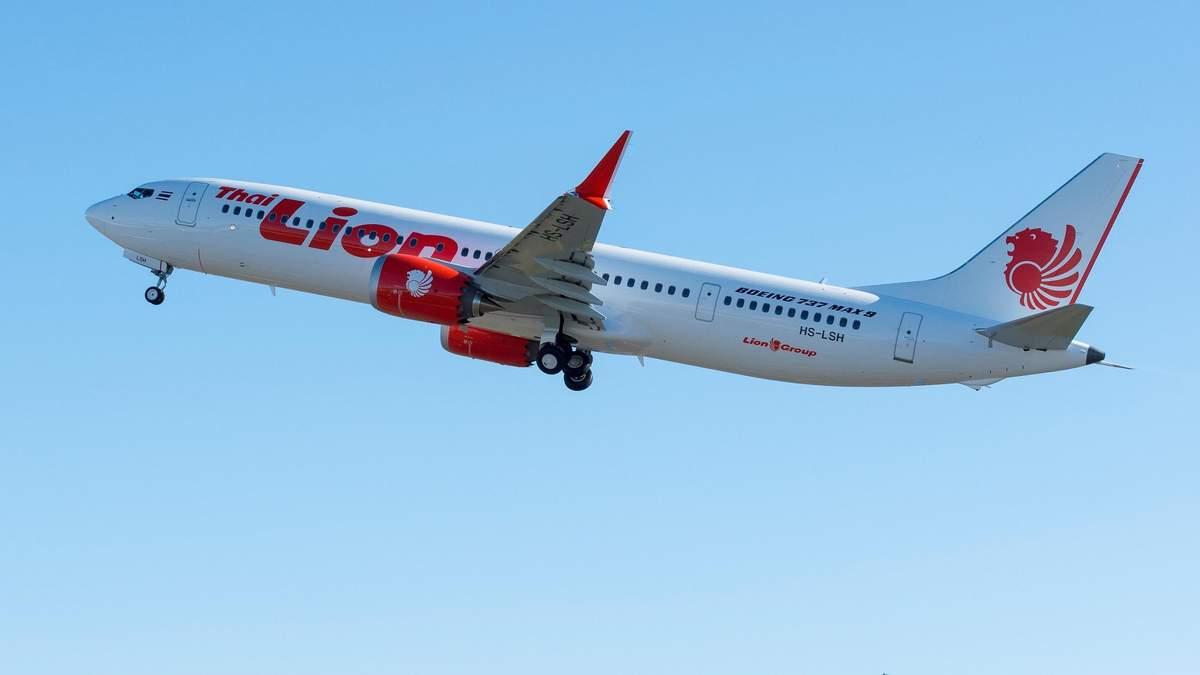 Падіння Boeing 737 в Індонезії: відео з салону боїнгу