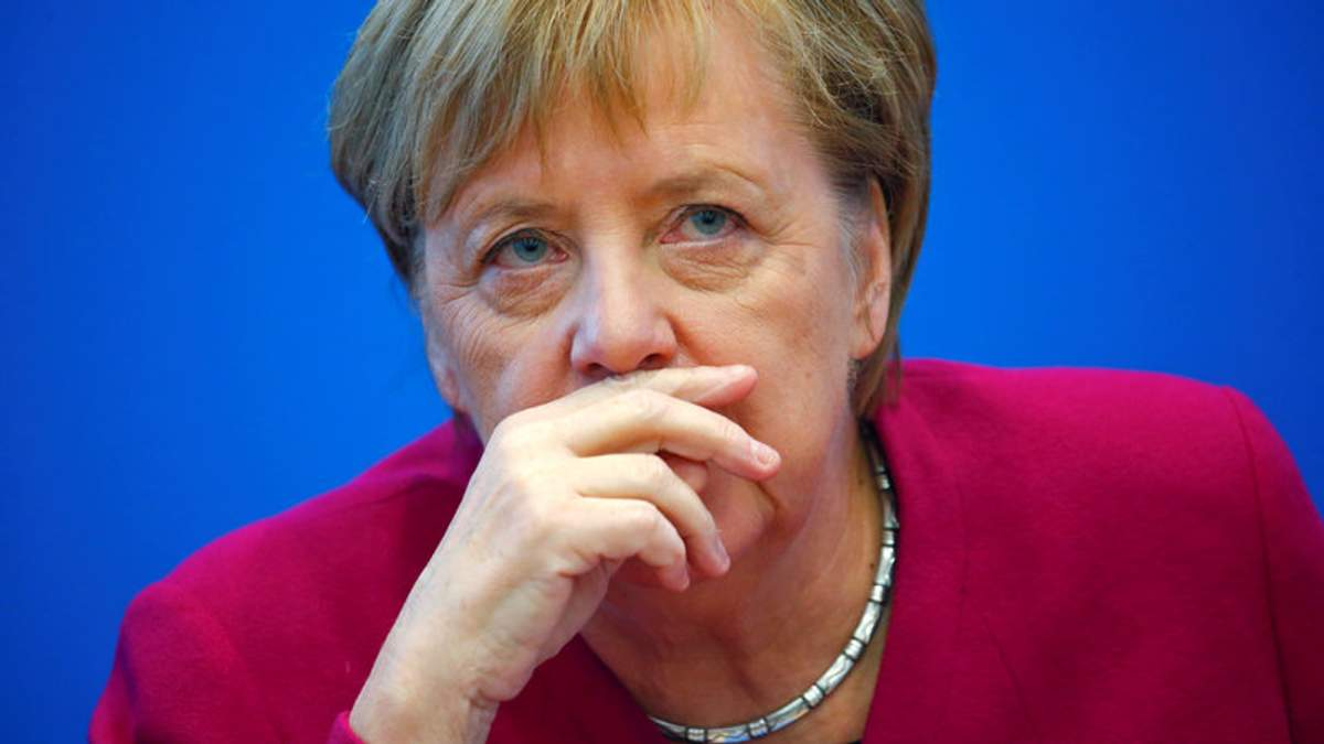 Відхід Меркель від влади зробить Німеччину замкнутішою і нестабільною, – Financial Times