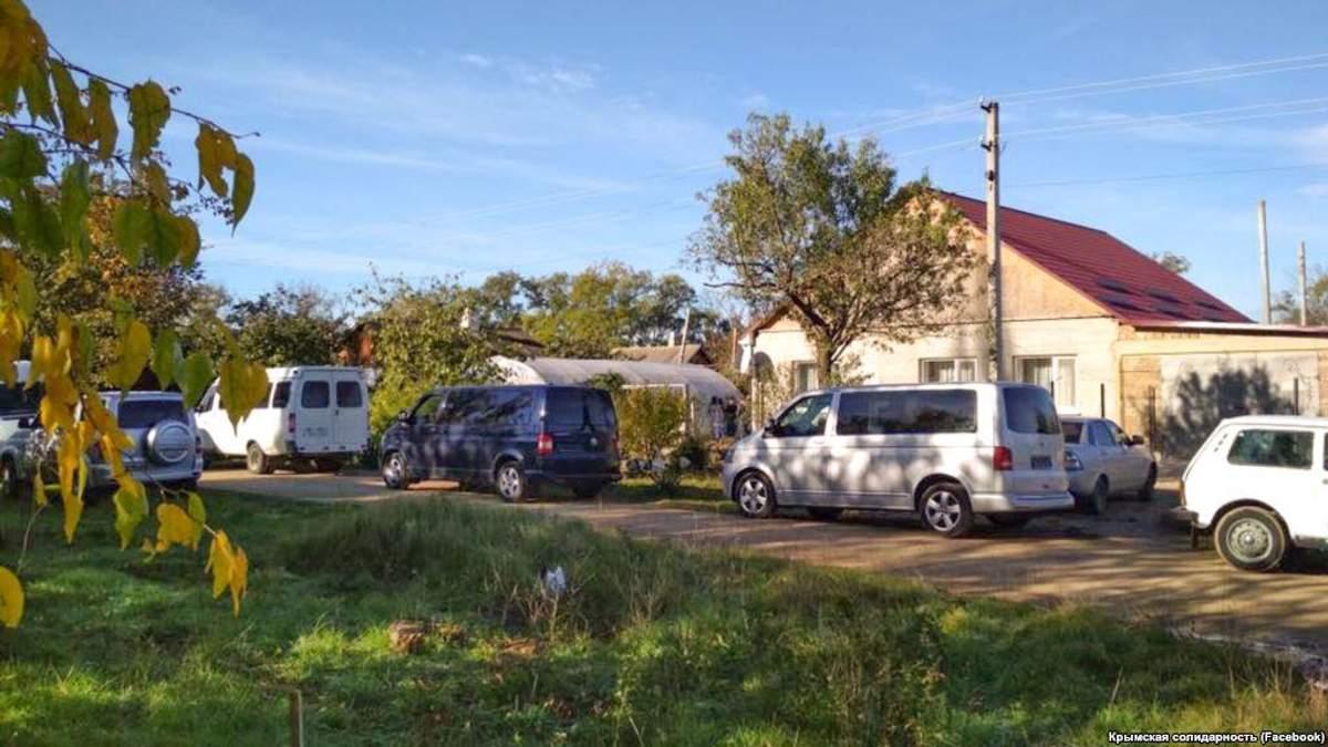 Силовики ФСБ РФ  влаштували обшук в будинку кримських татар