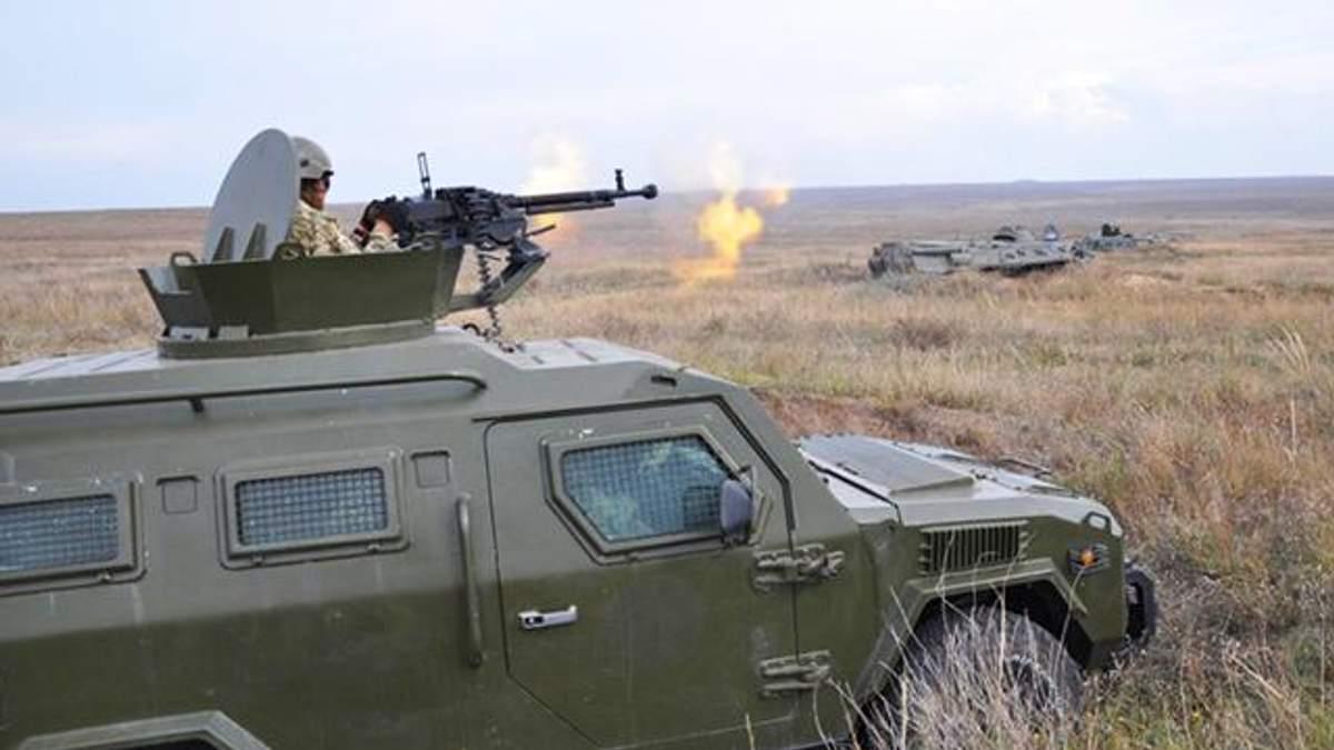 Украинские пограничники потренировались в обороне на побережье Азовского моря: фото
