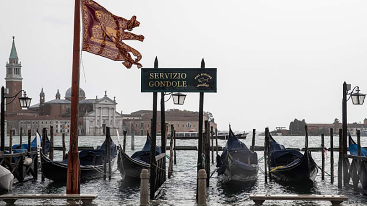 Смертельное наводнение в Италии: последствия непогоды показали с высоты птичьего полета