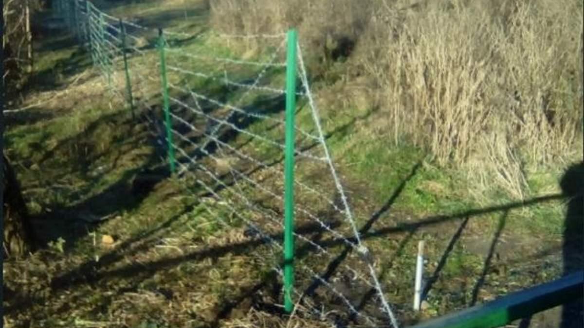 РФ отгородилась от боевиков на Донбассе забором