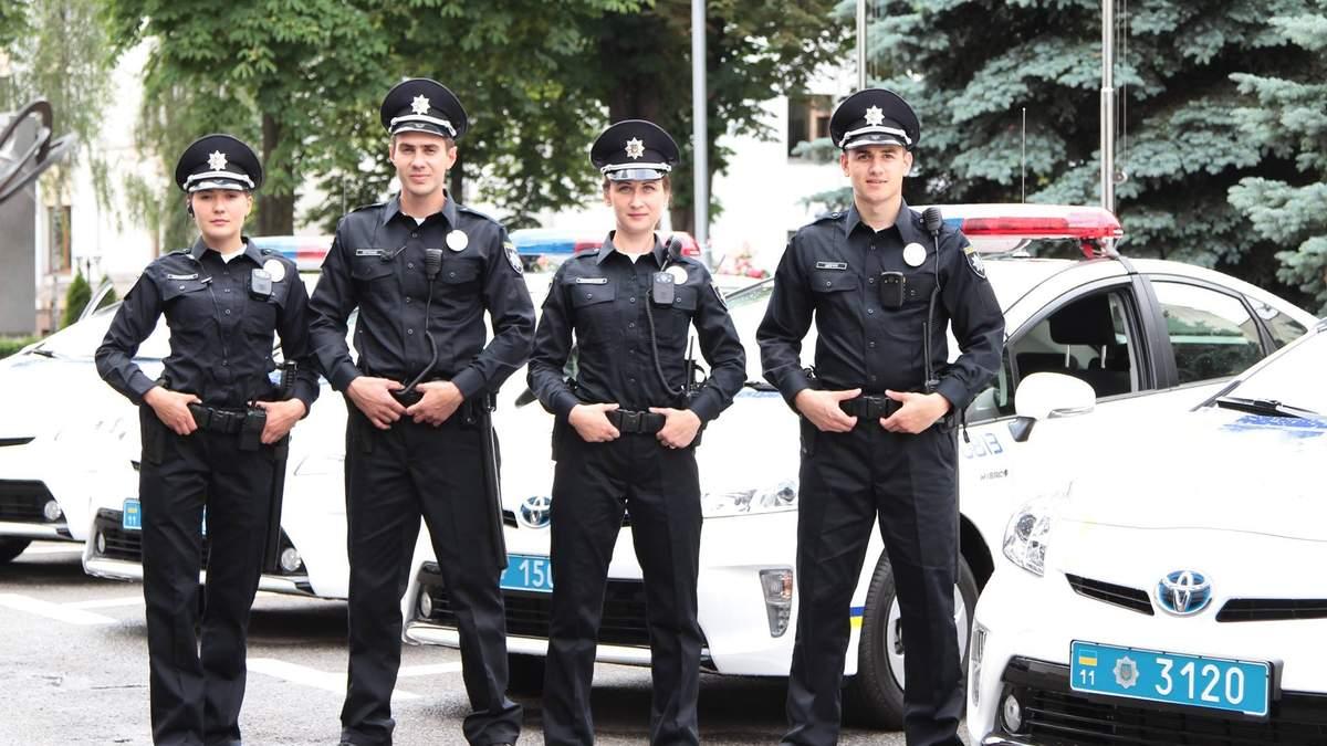 Поліцейським і рятувальникам піднімуть зарплати