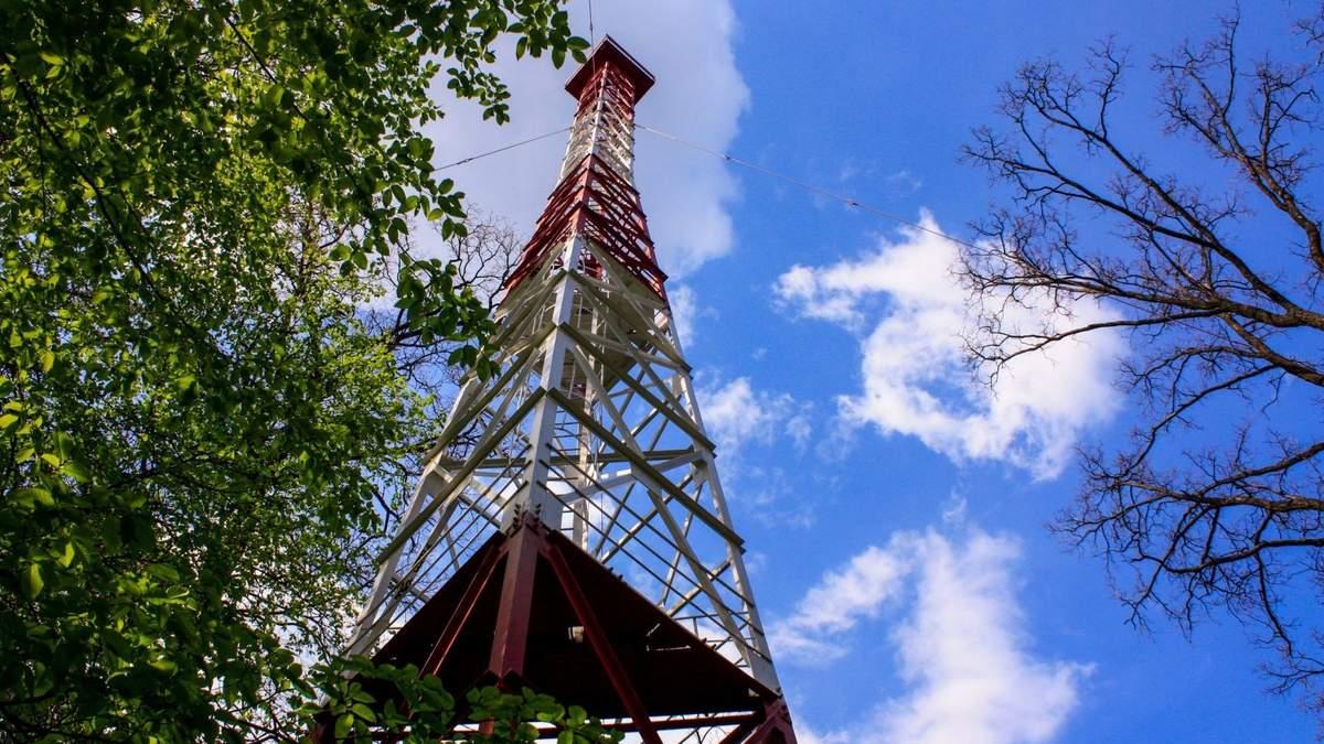Пожарная башня в Виноградаре, с которой спрыгнула 15-летняя девушка