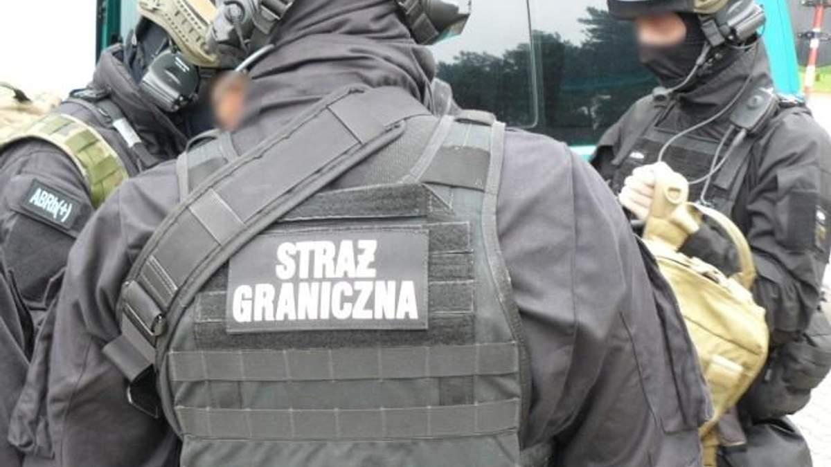 Почти рабство: в Польше задержали мужчину, использовавшего украинцев в принудительных работах