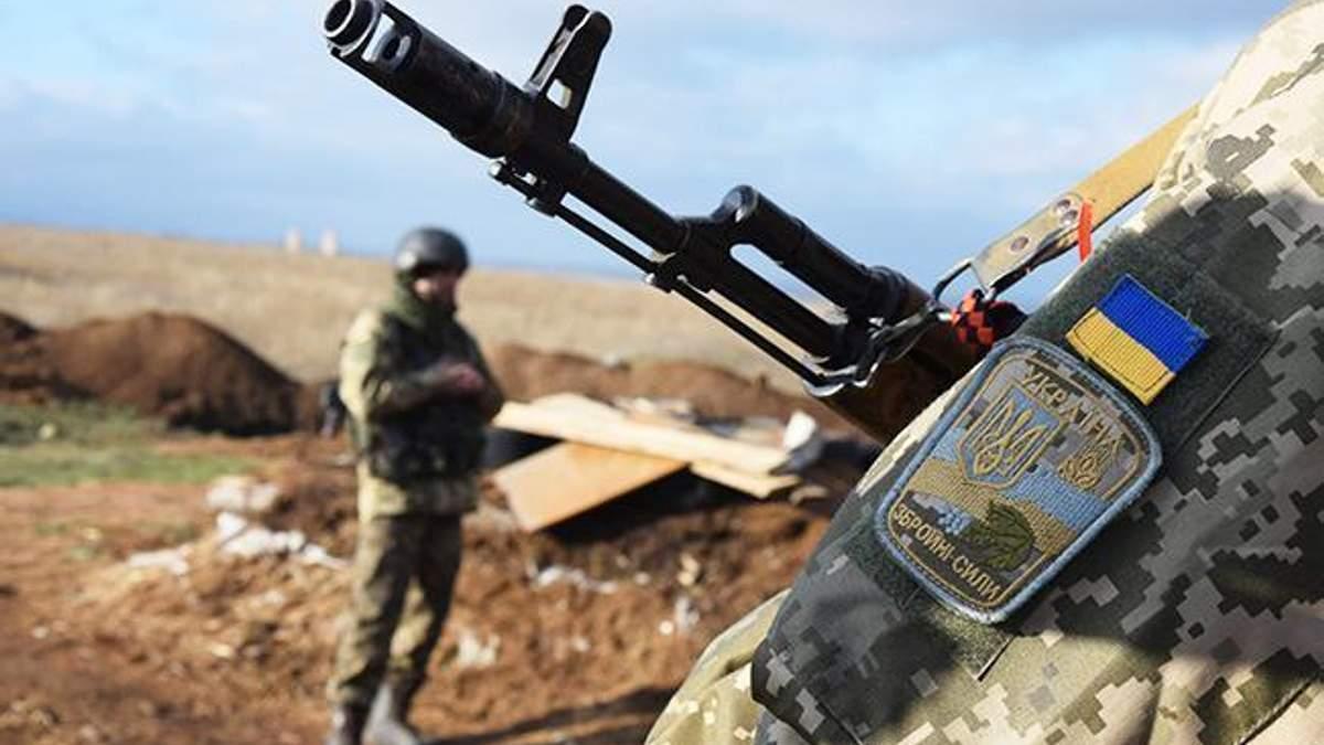 На Донбасі був поранений український військовий