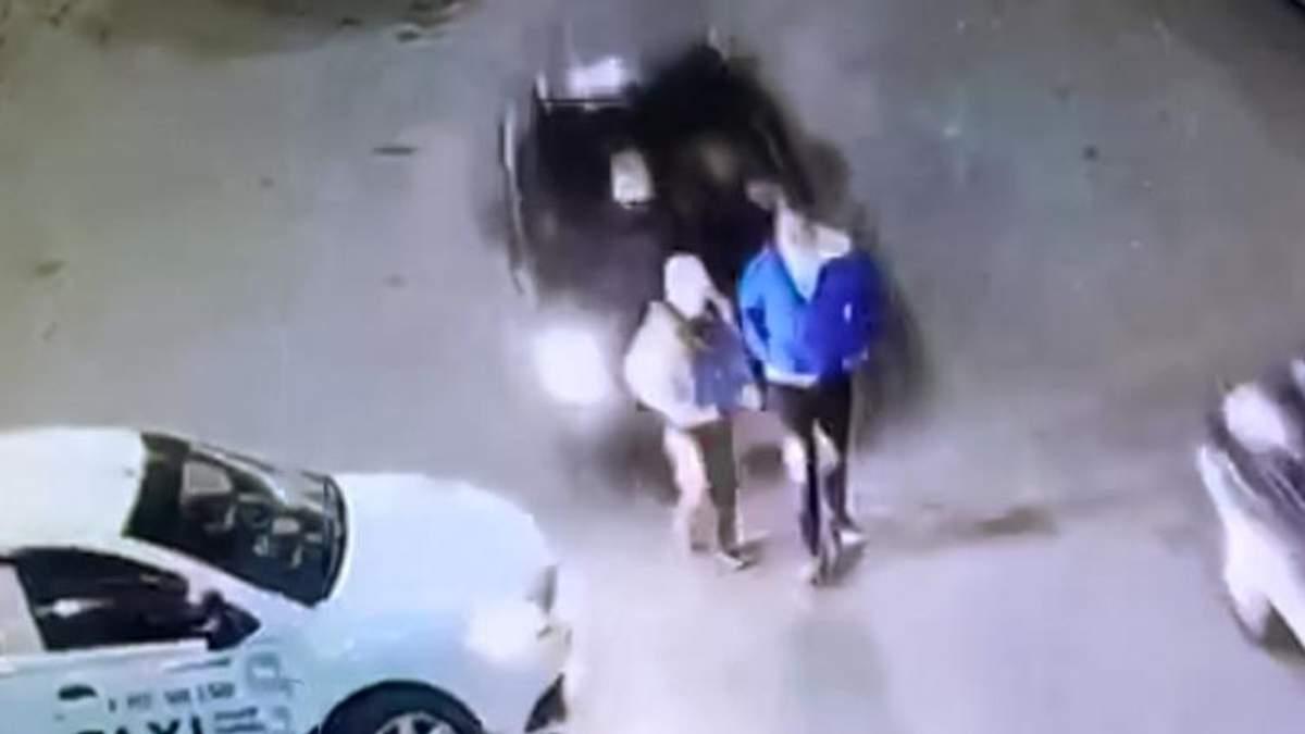 Жінка скоїла моторошний наїзд на підлітків у Росії, але шкода її стало її машину