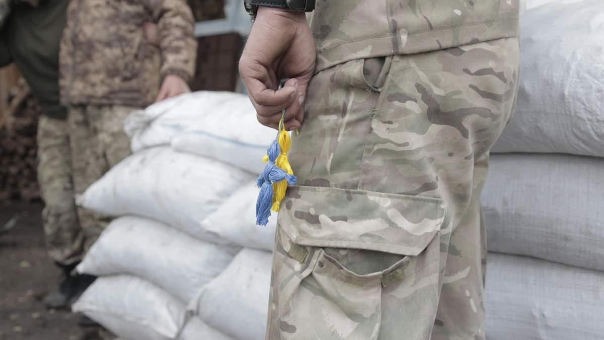 Сутки на Донбассе: десятки обстрелов и раненые бойцы ВСУ