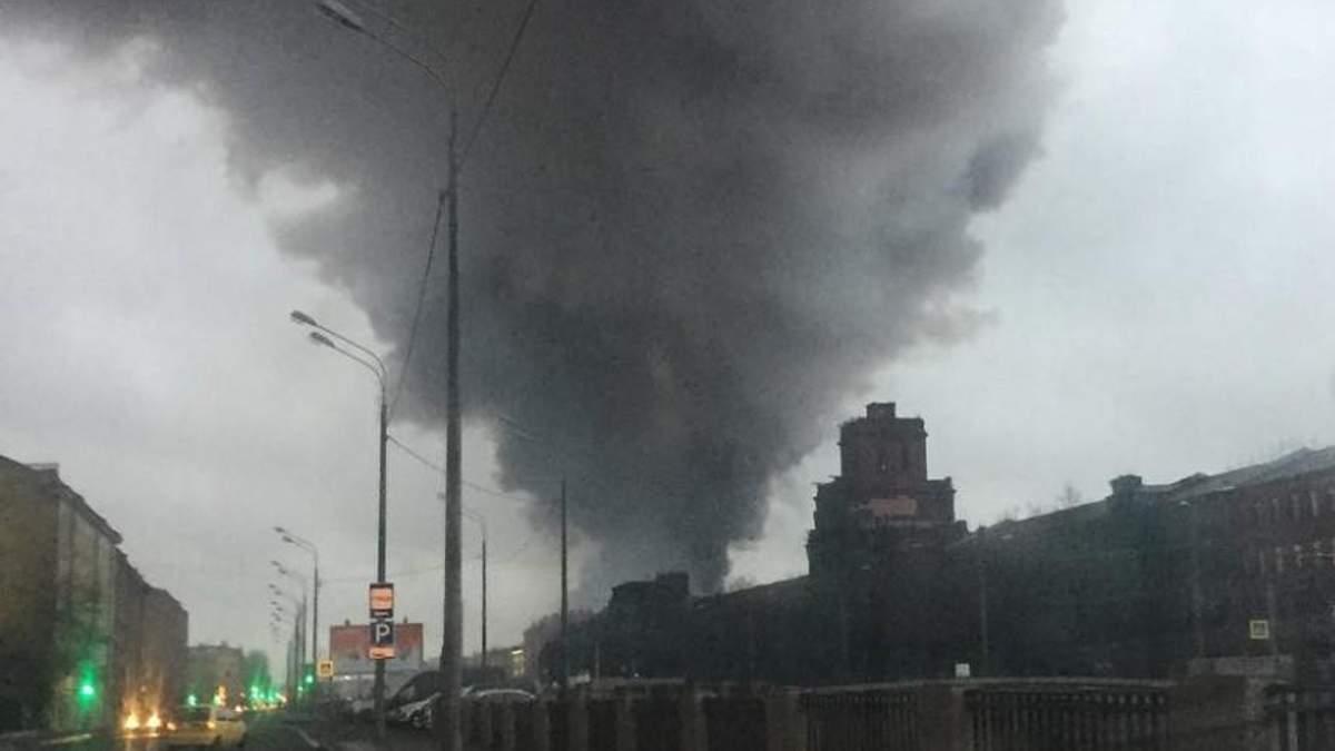 """В Санкт-Петербурге сгорел гипермаркет """"Лента"""""""