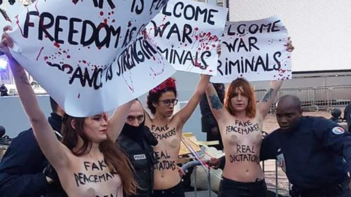 Акция Femen в Париже