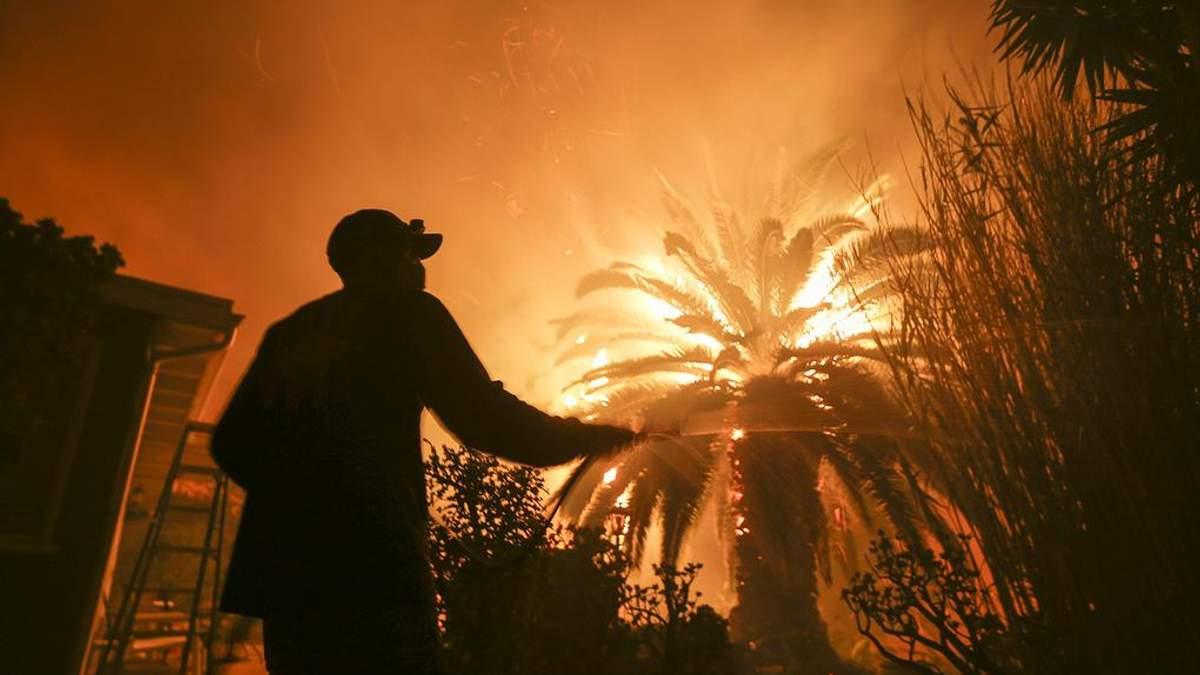Нові жертви страшної пожежі у Каліфорнії