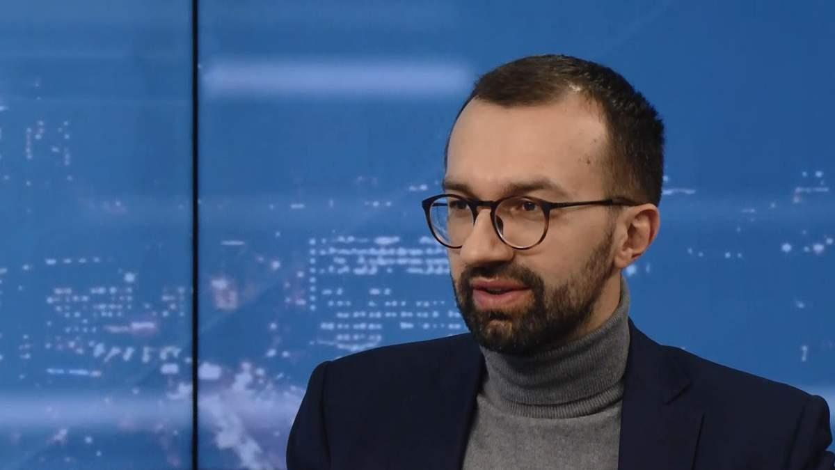 Провластный блок расползается перед выборами, – Лещенко об афере Гройсмана и молчании Порошенко