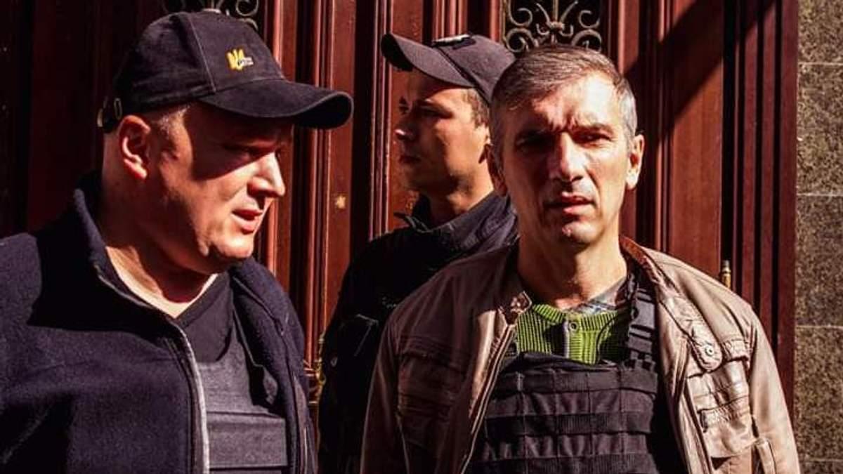 Один із підозрюваних у замаху на Михайлика – Нагладзе – покинув СІЗО та перебуватиме під домашнім арештом