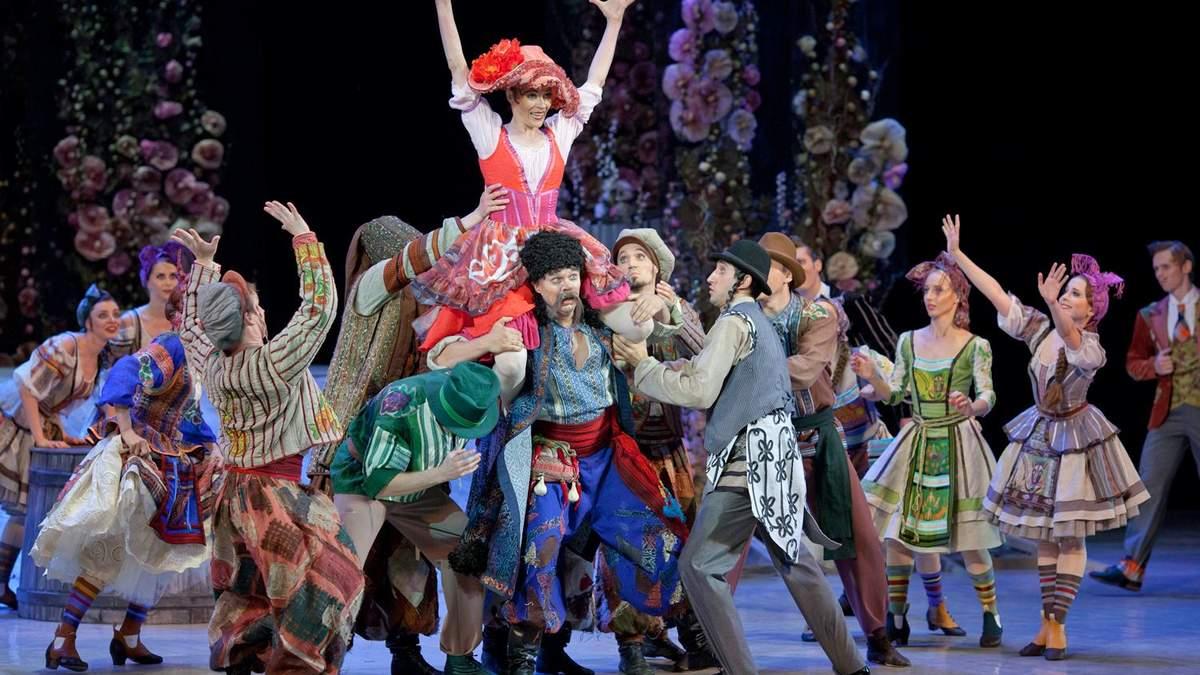Національна опера України порадує глядачів яскравим святковим репертуаром