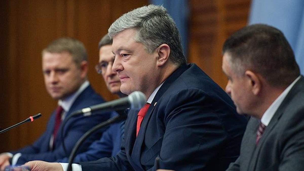 Британський депутат закликав уряд вивчити зв'язки  Петра Порошенка з Віктором Медведчуком