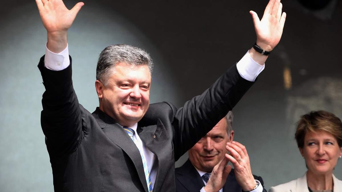 Порошенко прокомментировал решение Трампа не встречаться с Путиным