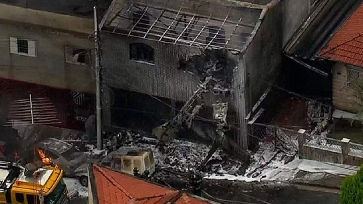Cessna 210N упал на жилой дом в городе Сан-Паулу на севере Бразилии