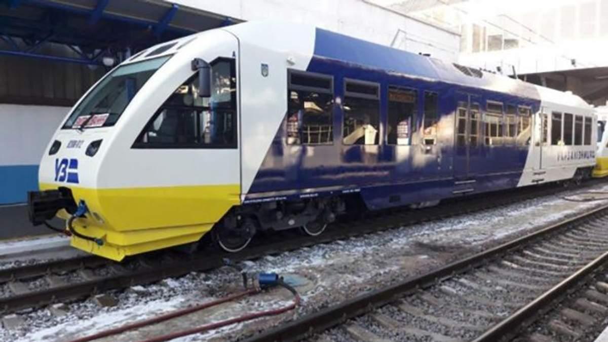 """Поезд """"Экспресс Киев-Борисполь"""" сломался на следующий день после первого рейса"""