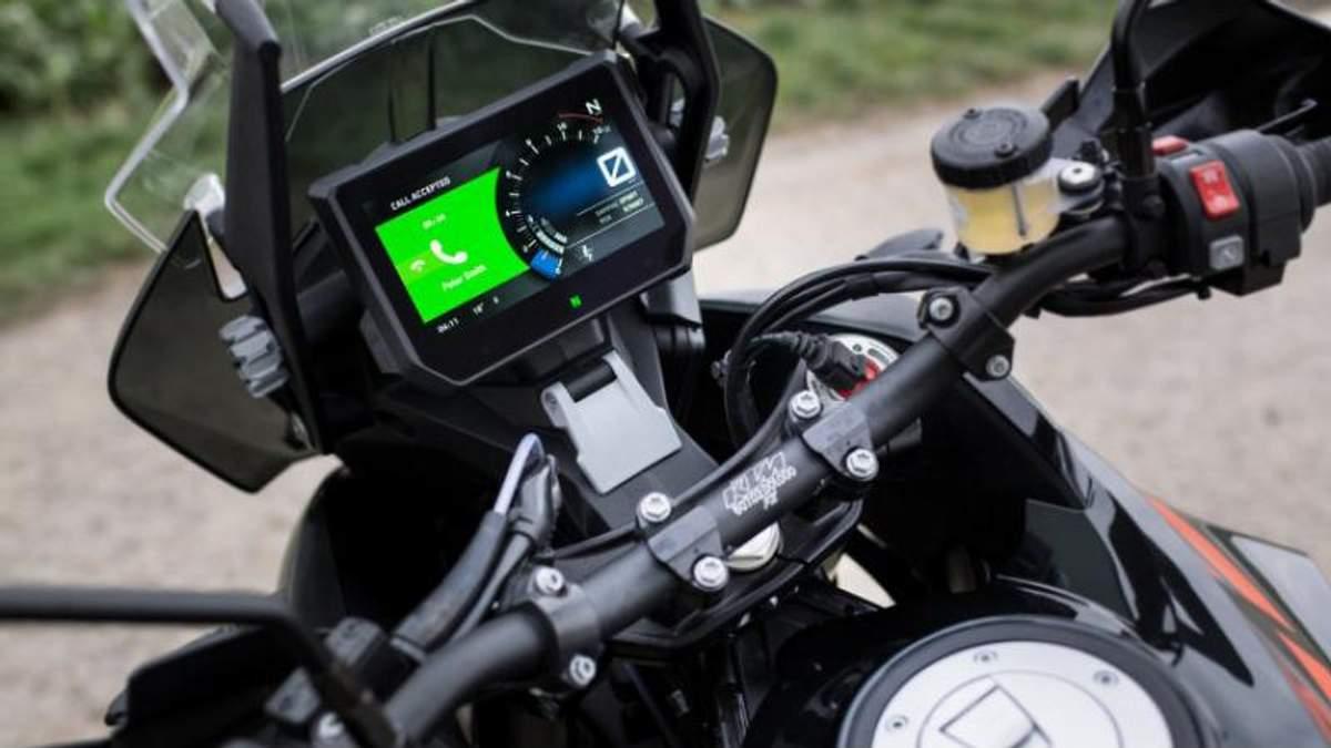 Как безопасно пользоваться смартфоном во время езды на мотоцикле: инновационная технология