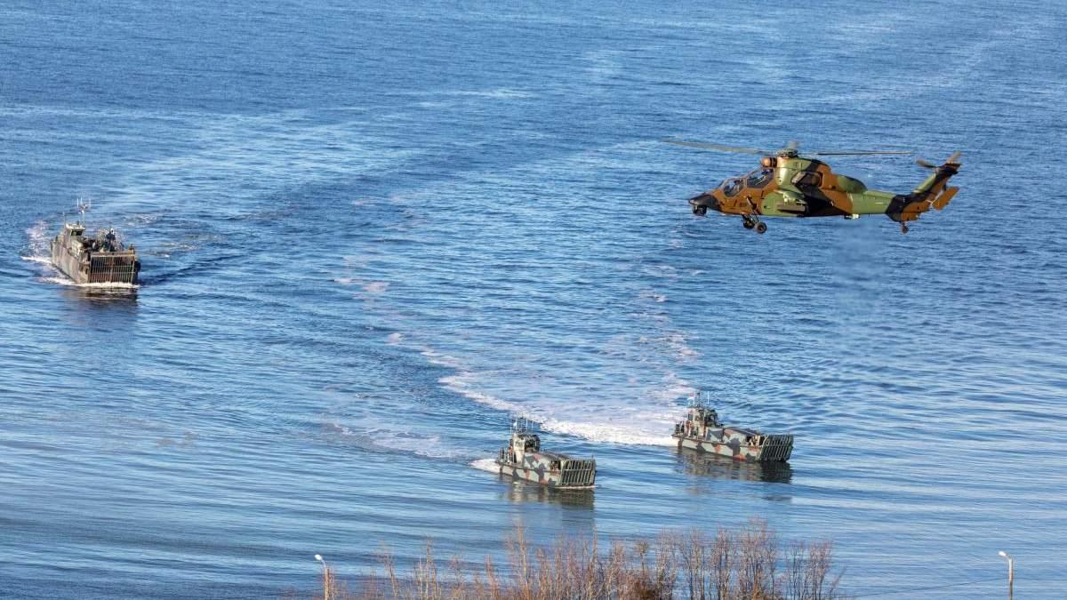 Украинский катер обстреляли в международных водах, – Bellingcat об агрессии России в Азове