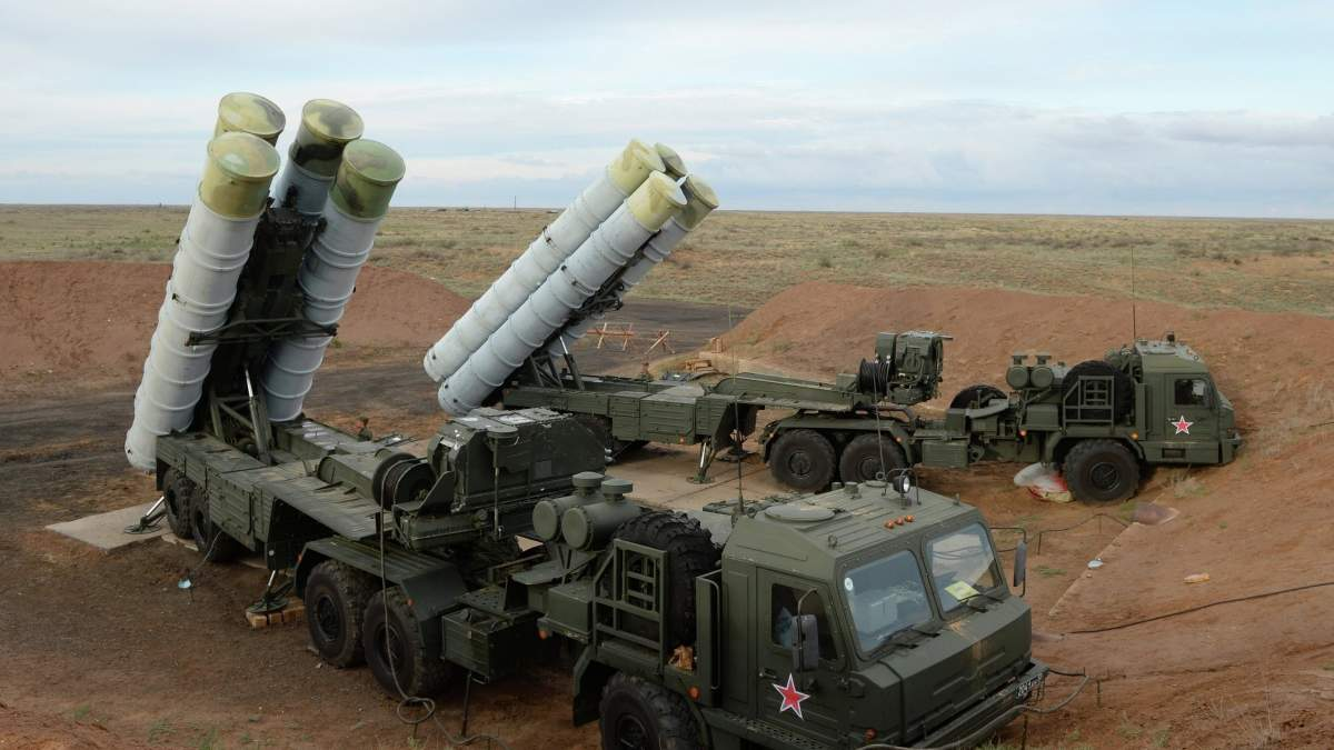 В оккупированном Крыму священники УПЦ МП освятили российские ракетные комплексы