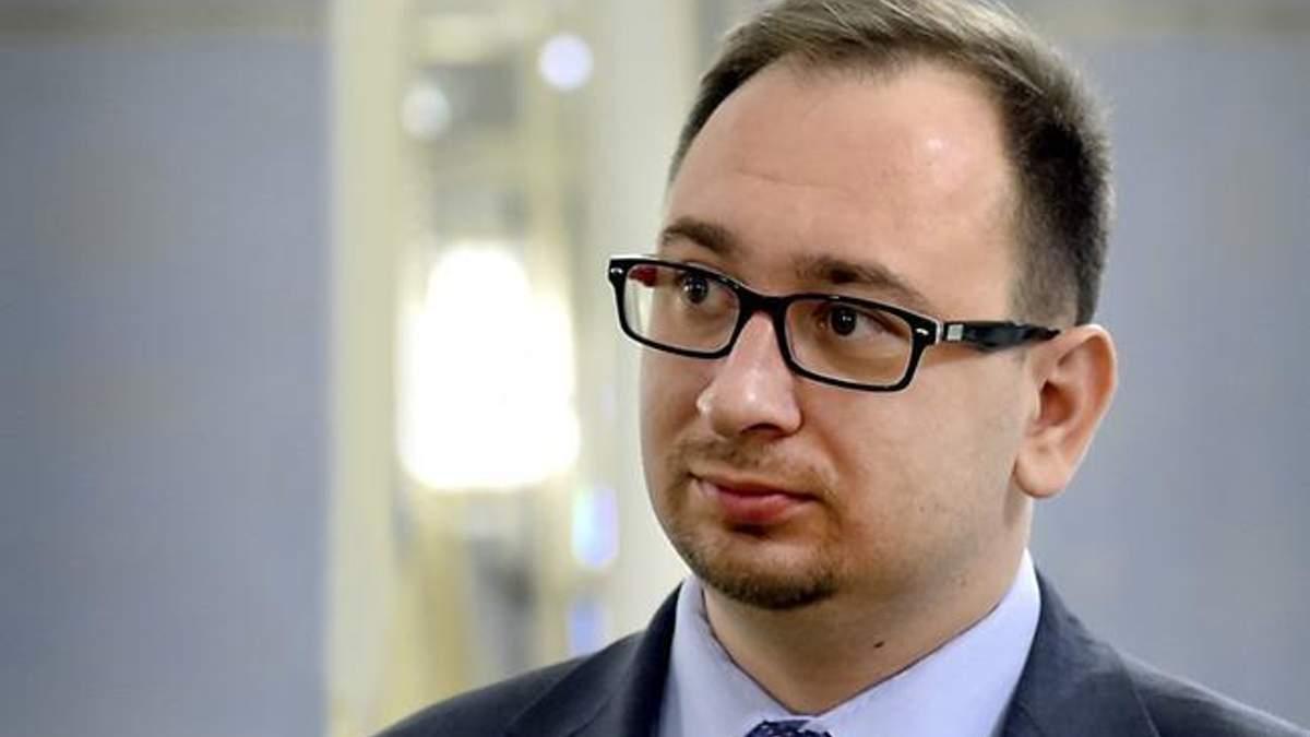 Российский адвокат представит список тех, кто хочет защищать наших моряков