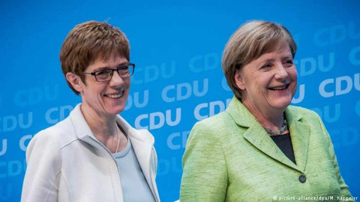 Аннегрет Крамп-Карренбауер  стала наступницею Меркель