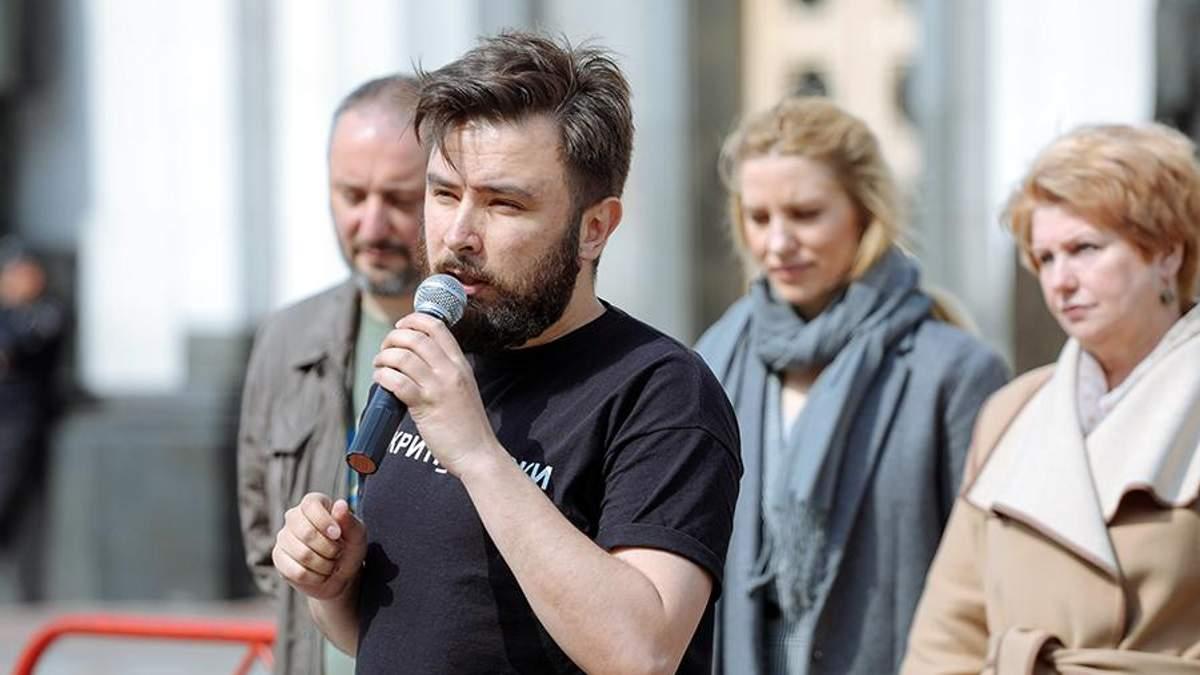 Чи можна покарати депутатів, що підкуповують українців перед виборами: відповідь експерта
