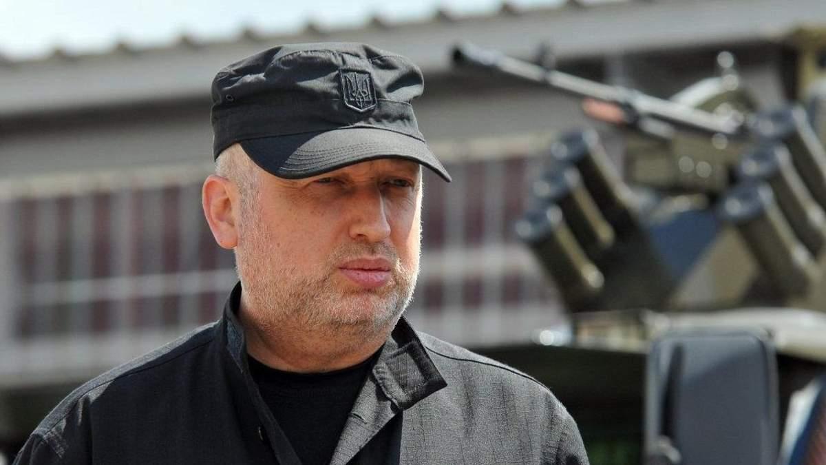 Украина планирует новый проход военных кораблей через Керченский пролив, – Турчинов