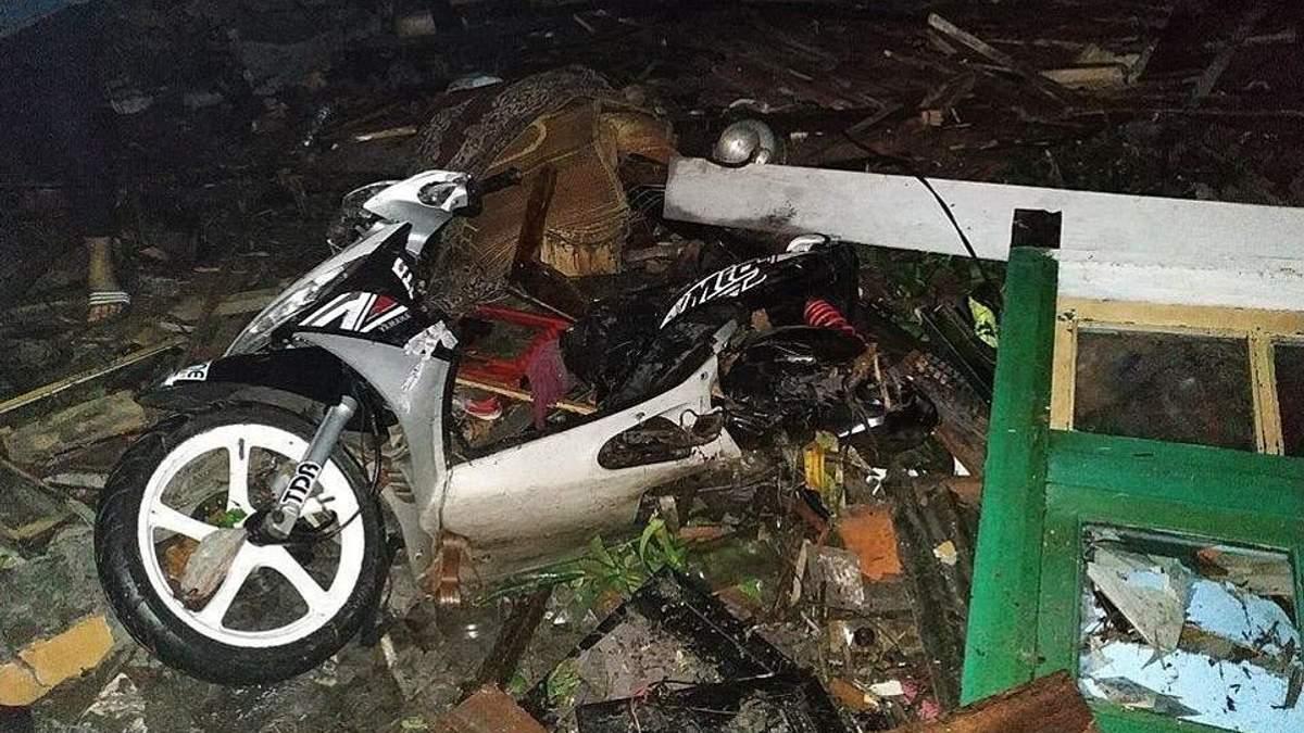 Цунамі в Індонезії забрало життя щонайменше 20 людей