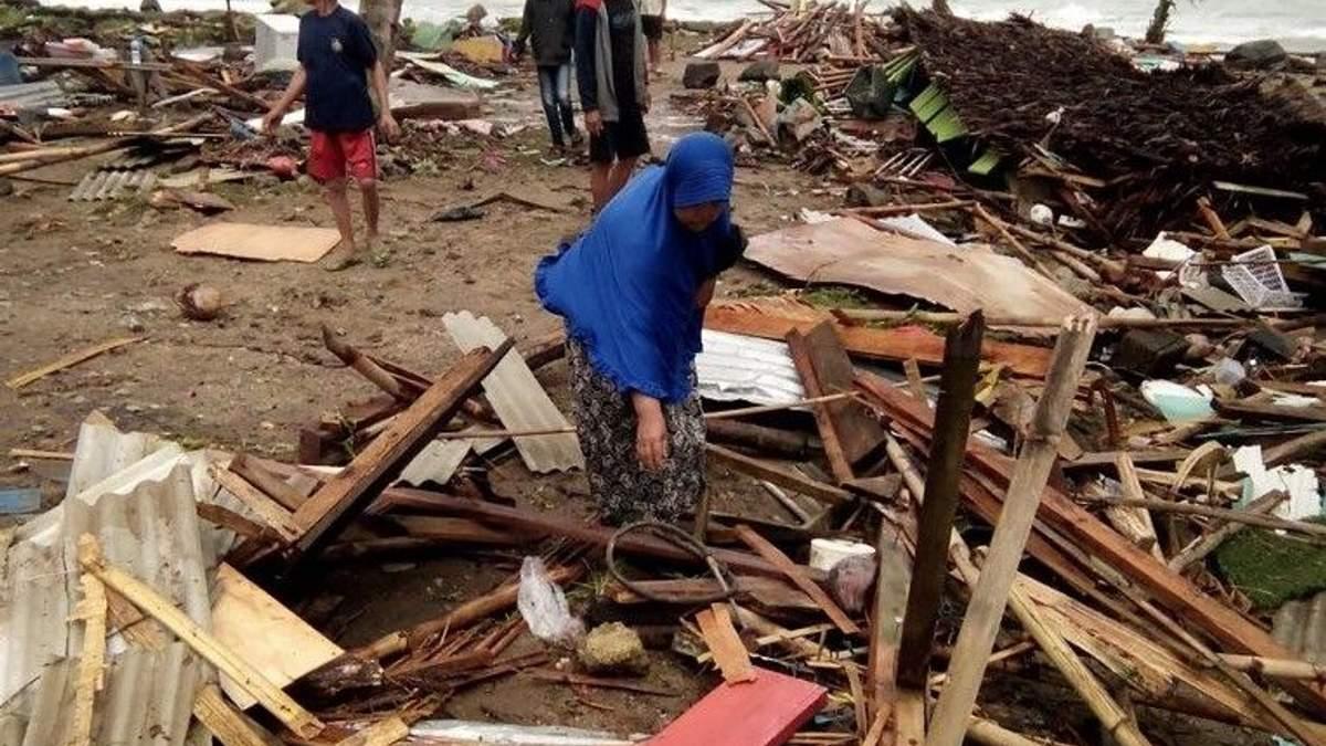 Цунами в Индонезии - видео цунами 22 декабря 2018 - детали