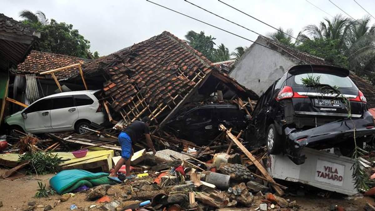 Нанесенный ущерб в результате цунами в Индонезии