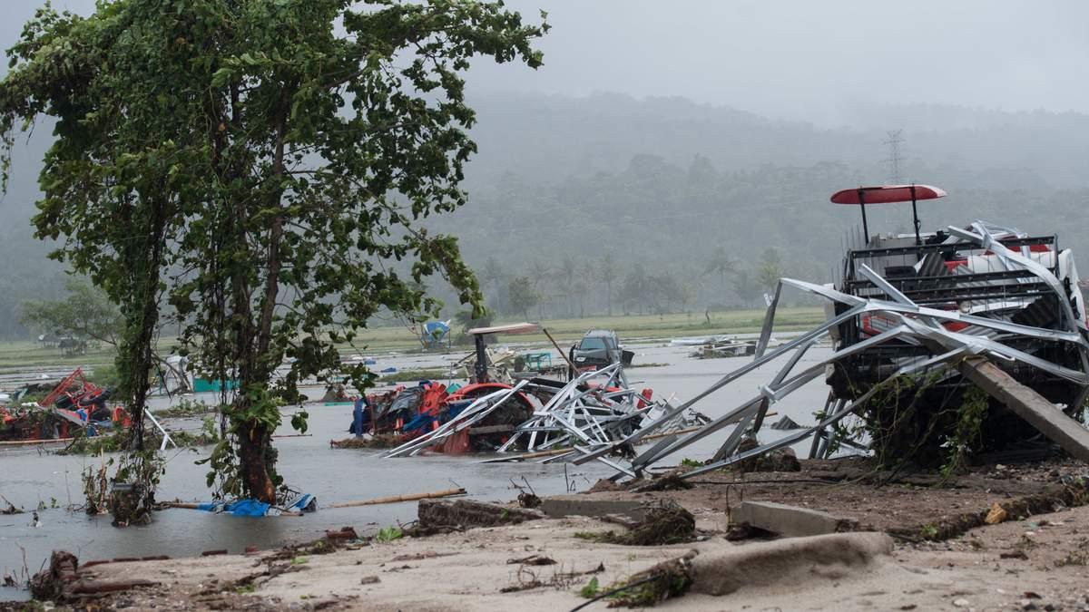 Жахливе цунамі накрило Індонезію: чи є серед постраждалих українці