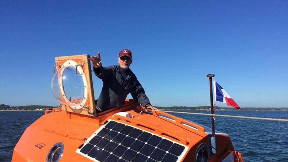 """71-річний француз відправився через Атлантику у бочці, бо він мав зробити """"щось неймовірне"""""""