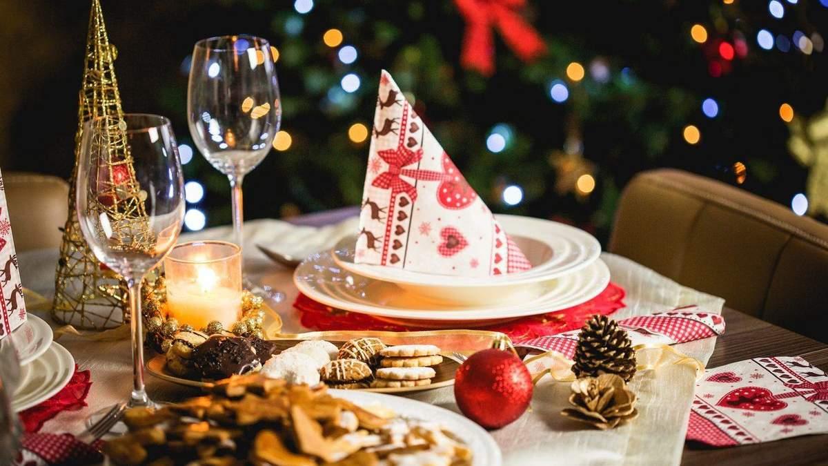 Картинки по запросу украшенный стол в новогоднюю ночь 2020