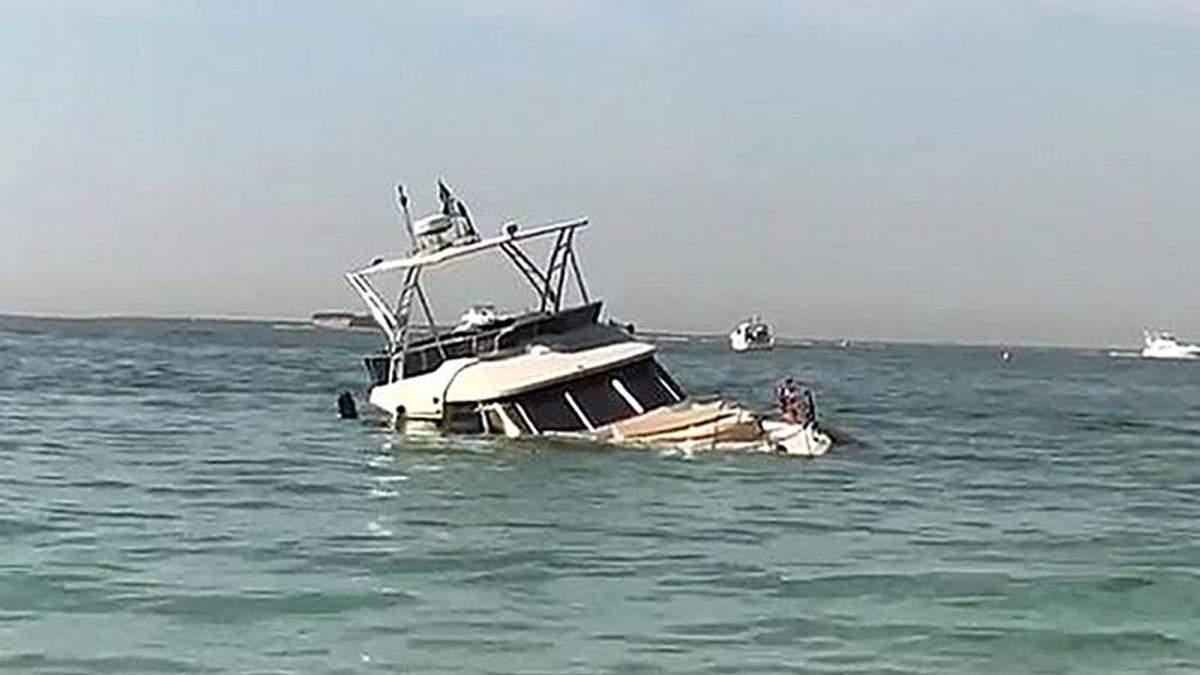 У Дубаї затонула яхта: на борту перебували росіяни, французи та британці