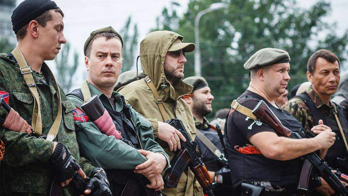 """У мережі показали, як влітку 2014 року окупанти створювали картинку про """"кривавих карателів"""""""