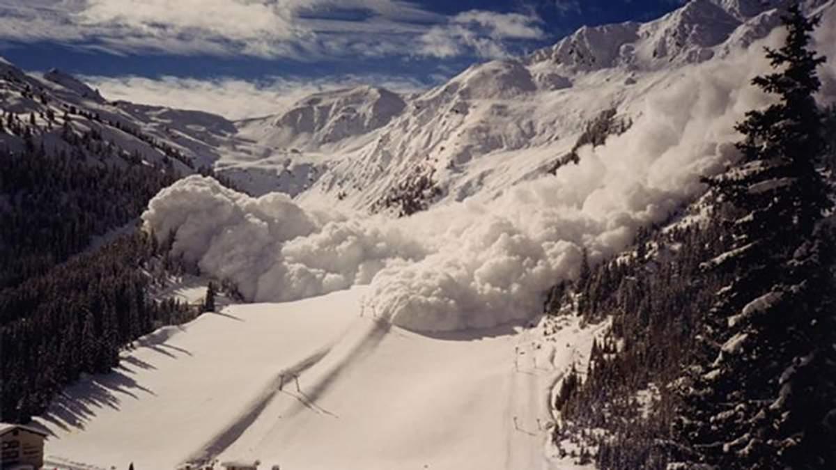 Що робити, аби не потрапити у снігову пастку в горах: поради та застереження від ДСНС