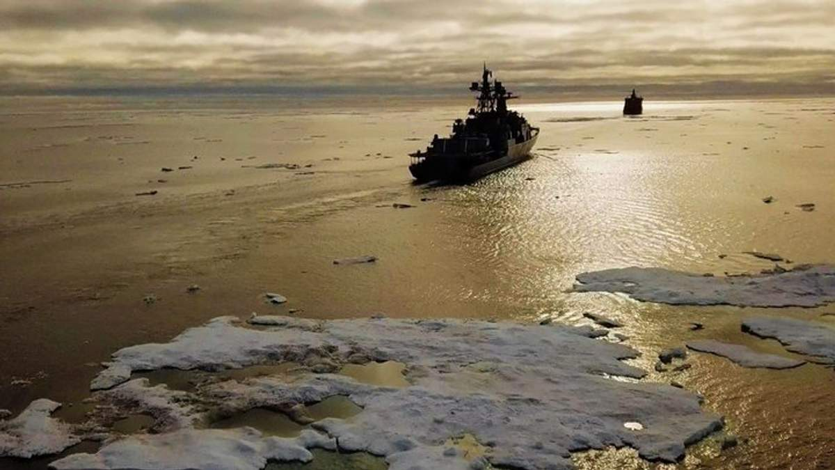 В Черное море планирует войти нидерландский корабль НАТО