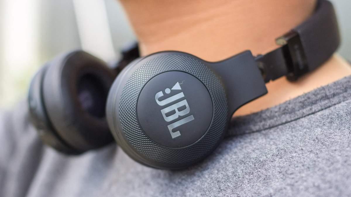 Harman оновила лінійку бездротових навушників JBL