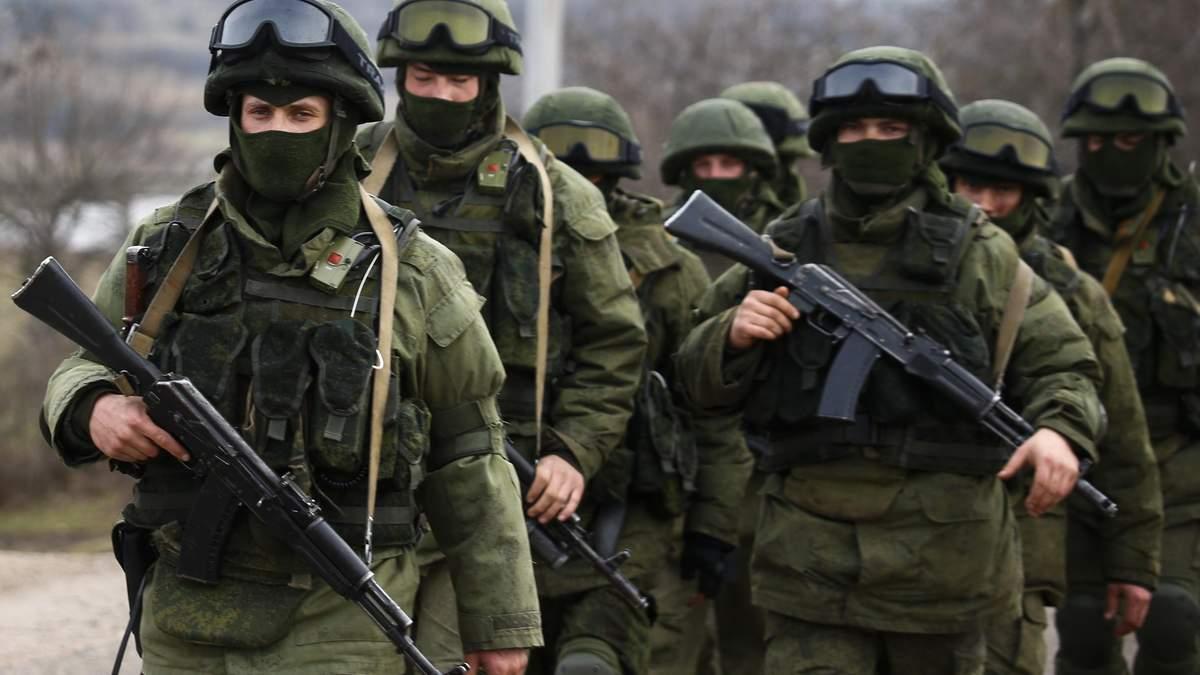 Засилье солдат и боевая техника: в оккупированном Крыму военных РФ учат вести бой