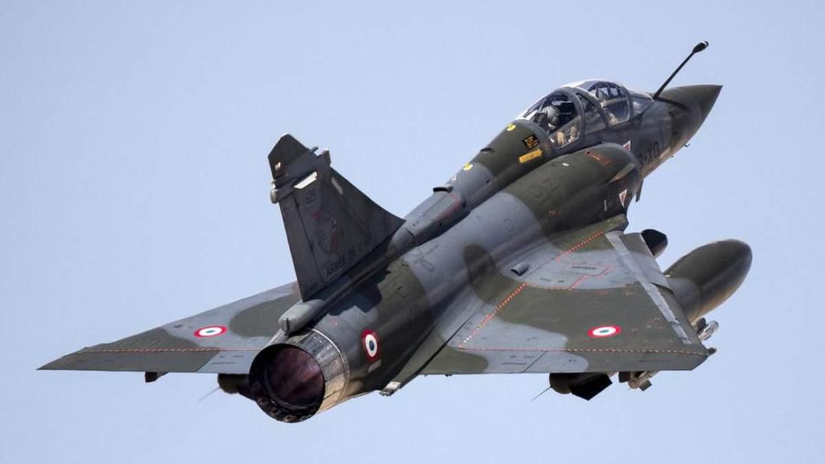 У Франції розбився винищувач: серед уламків пілотів не знайшли