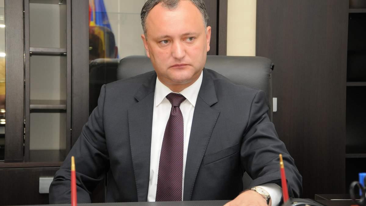 Додон поскаржився Медведєву, бо санкції РФ проти України вдарили по Молдові