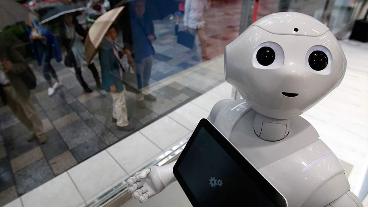 Чудеса японских гениев: робот имитирует голос и манеры человека, который умер
