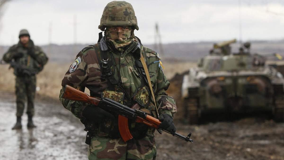 Оккупанты из минометов обстреляли позиции украинских защитников вблизи Желтого, – штаб ООС