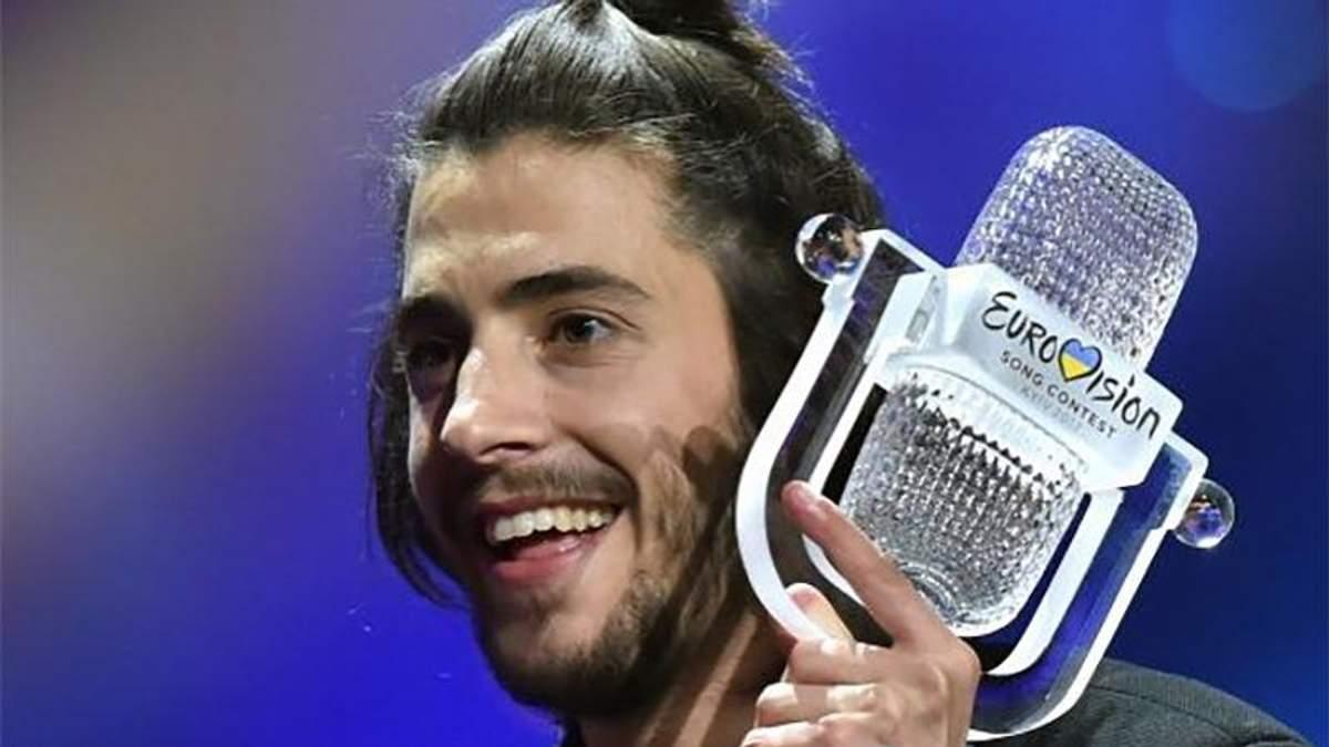 Переможець Євробачення-2017 Сальвадор Собрал приголомшив зміною іміджу